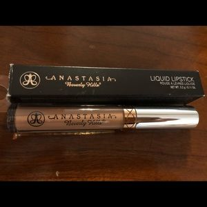 Set of 2! Anastasia liquid lipsticks...